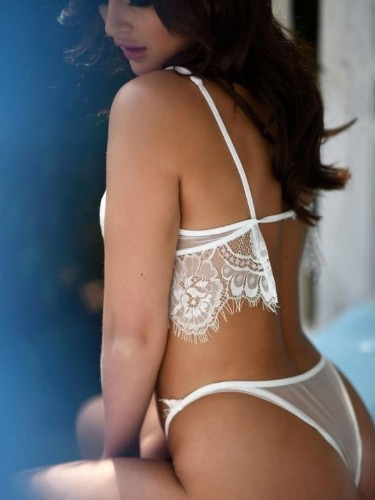 Sex ad by escort Silvia (20) in Singapore - Photo: 4