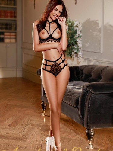 Sex ad by kinky escort Maila (22) in London - Photo: 4