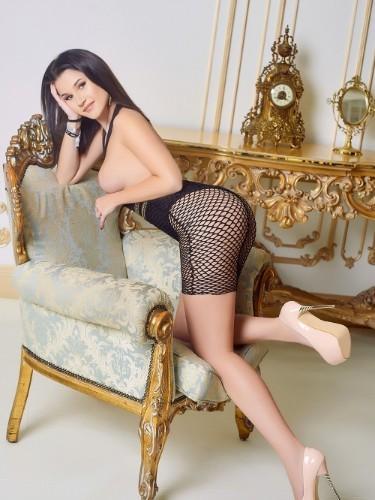 Alicia (18) Fetish Teen Escort Babe in Milan - Photo: 6