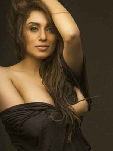 Sex ad by kinky escort Aadhriti (21) in Dubai - Photo: 1