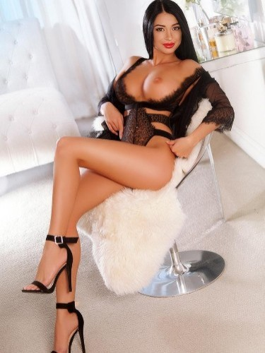 Sex ad by kinky escort Sonia (22) in London - Photo: 5