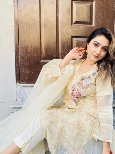 Sex ad by escort Reha Singh (25) in Dubai - Photo: 5
