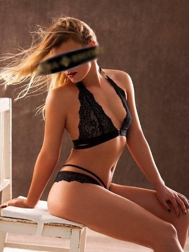 Sex ad by escort Luna (26) in Frankfurt - Foto: 1