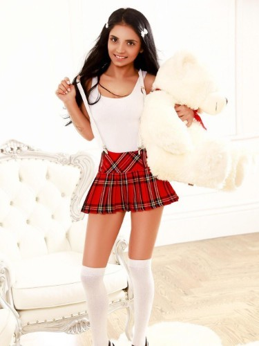 Sex ad by escort Isabela (19) in London - Photo: 3