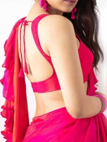 Sex ad by escort Roshni Vyas (22) in Chennai - Photo: 1