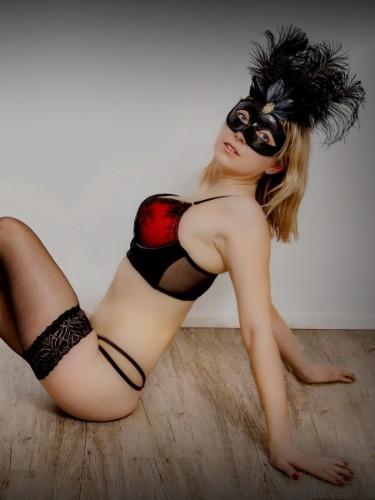 Sex ad by escort Ema (24) in Frankfurt - Foto: 3