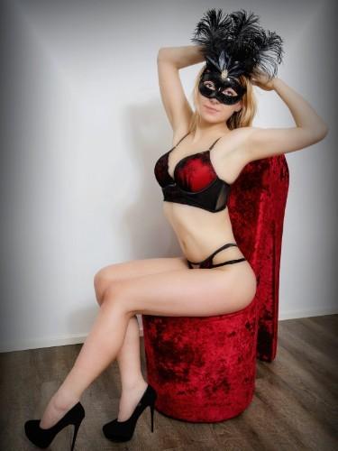 Sex ad by escort Ema (24) in Frankfurt - Foto: 5