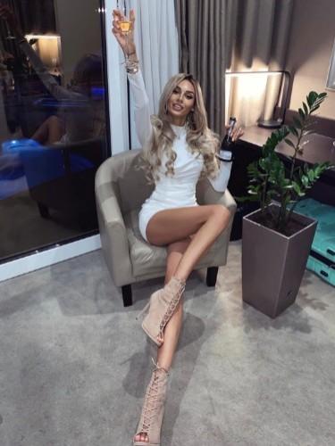 Malvina (24) в Санкт-Петербург эскорт - Фото: 3