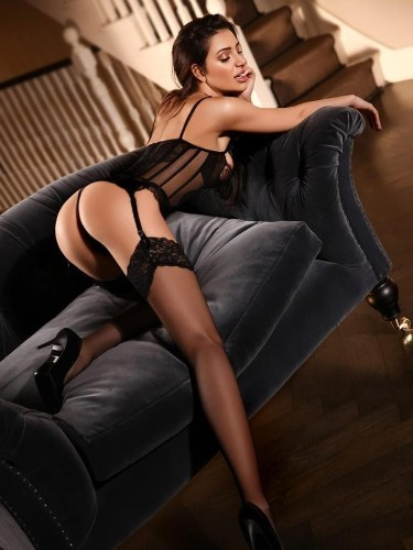 Sex ad by kinky escort Isabella (19) in London - Photo: 7