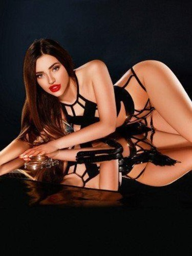 Sex ad by kinky escort Anne Marie (19) in London - Photo: 5