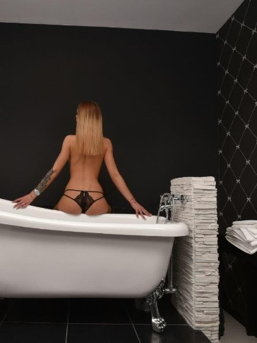 Sex ad by kinky escort Sarah (23) in London - Photo: 6