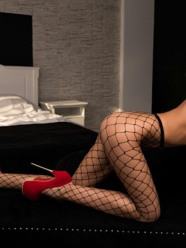 Sex ad by kinky escort Sarah (23) in London - Photo: 5