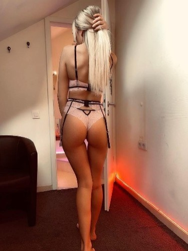 Sex ad by kinky escort Zoe (21) in London - Photo: 3