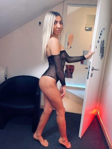 Sex ad by kinky escort Zoe (21) in London - Photo: 1