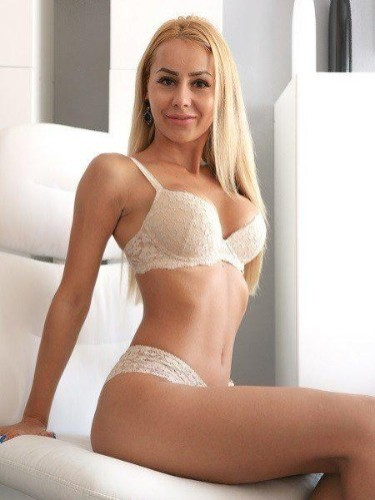 Sex ad by kinky escort Charlotte (24) in London - Photo: 1