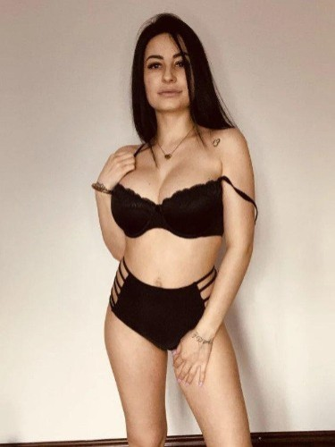 Sex ad by kinky escort Adela (21) in London - Photo: 5