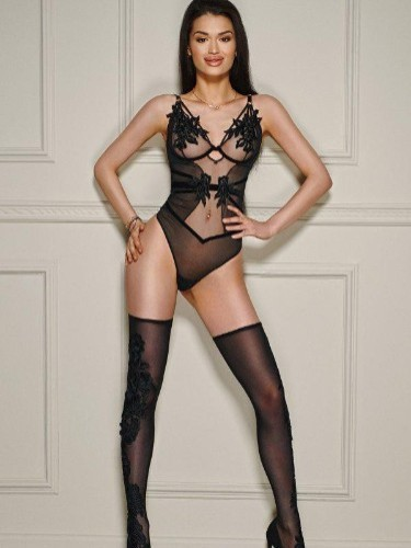 Sex ad by escort Cora (19) in London - Photo: 6