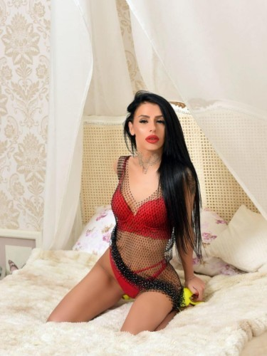 Sex ad by kinky escort Claudia (21) in London - Photo: 5
