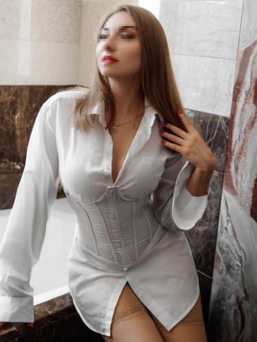 Ksenia (26) в Санкт-Петербург эскорт - Фото: 1