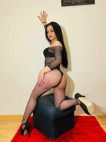 Sex ad by kinky escort Maya (21) in London - Photo: 4