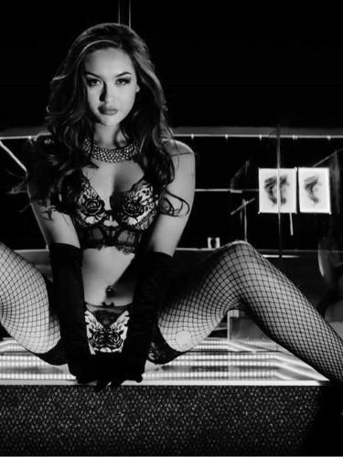 Sex ad by kinky pornstar escort Kendall Kay (20) in London - Photo: 4
