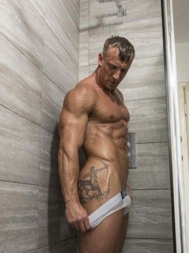 Sex ad by kinky escort gigolo Luke Hardy (37) in London - Photo: 4