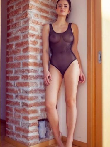 Linda (19) в Санкт-Петербург эскорт - Фото: 3