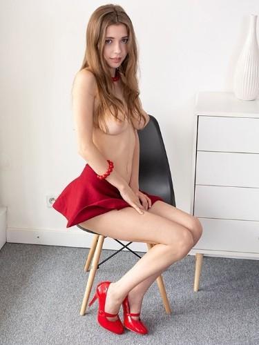 Irina (19) в Санкт-Петербург эскорт - Фото: 5
