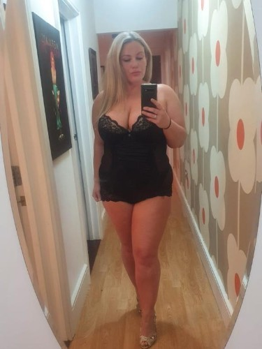 Sex ad by escort Scarlett (30) in Guildford - Photo: 6