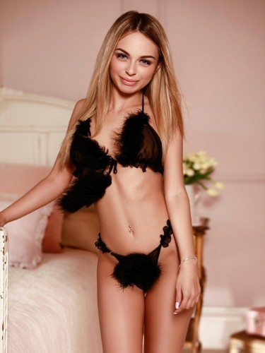Sex ad by kinky escort Alexis (20) in London - Photo: 1
