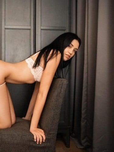 Teenager sex advertentie van Yana - Foto: 2