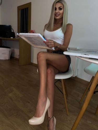 Petite Helen Vip (19) Teen Escort Babe in Limassol - Photo: 1