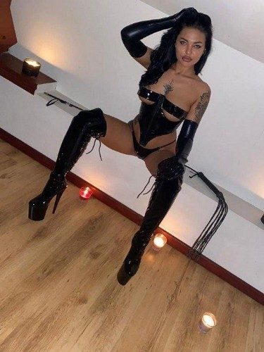 Fetish Meesteres sex advertentie van Valentina in Den Haag - Foto: 3