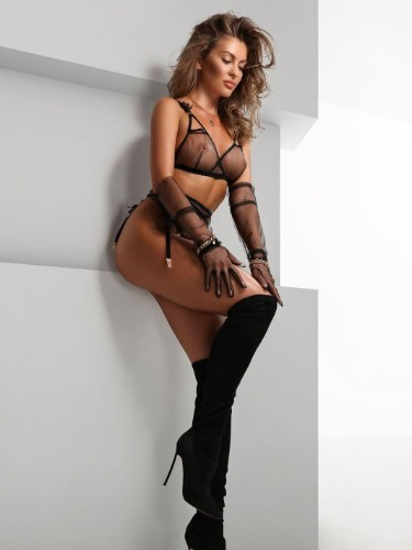 June (23) Teen Escort Babe in Florence - Photo: 6