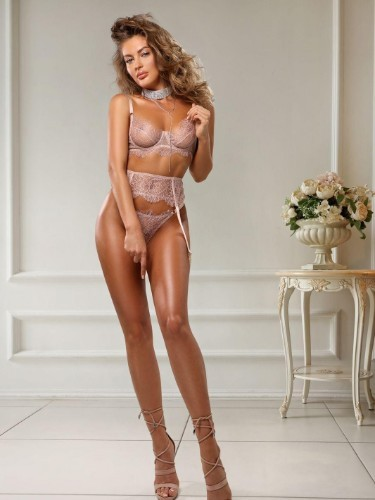 June (23) Teen Escort Babe in Florence - Photo: 7
