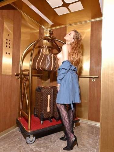 Adelina (22) Teen Escort Babe in Milan - Photo: 6